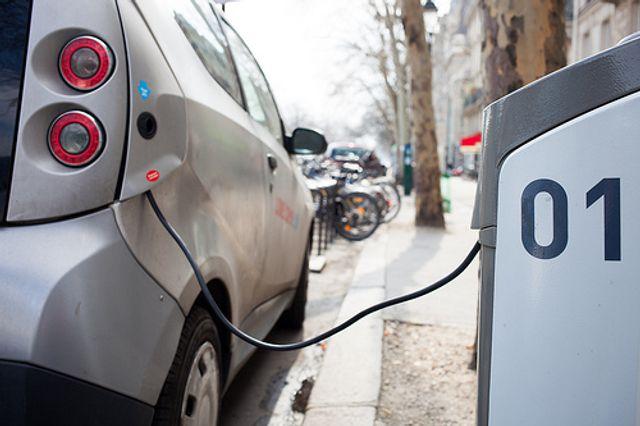 Elektroauto-Schnellladenetz von BMW, Daimler, Ford und VW offiziell genehmigt featured image