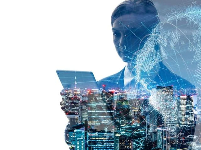 Digital transformation and AI adoption: 5 lessons from senior leaders featured image