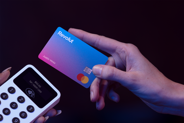 Revolut applies to become a UK bank featured image