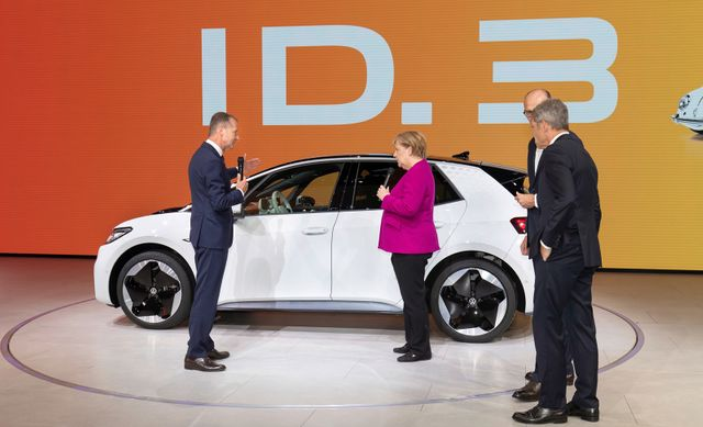 Thousands of jobs will be cut in the German Auto industry due to technological restructuring. featured image
