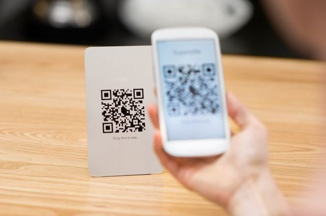 Maybank launches QR payments for merchants and consumers in Malaysia featured image
