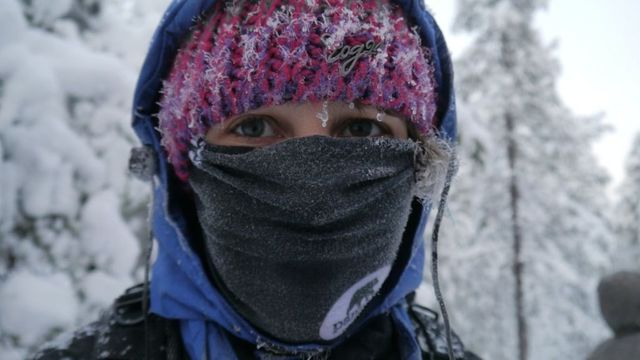 Asthma sufferers urged to wear scarves in cold to stop attacks featured image