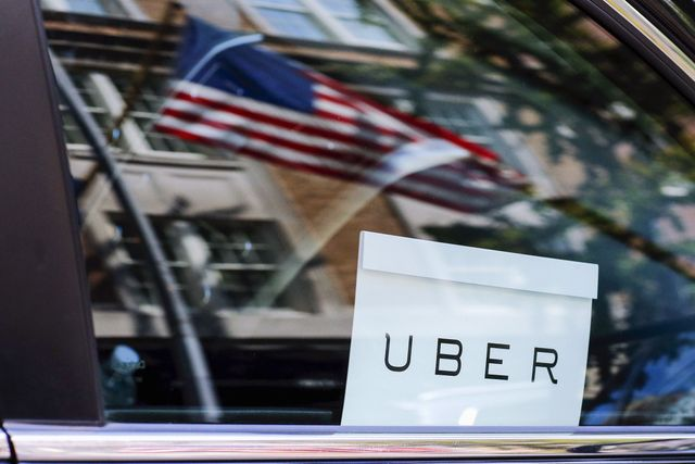 Uber is trying to lure new drivers by offering bank accounts featured image