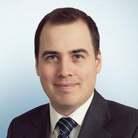 Tom Wallis, Senior Associate, Freshfields Bruckhaus Deringer