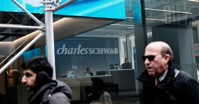 Schwab switching to subscription-based financial planning featured image