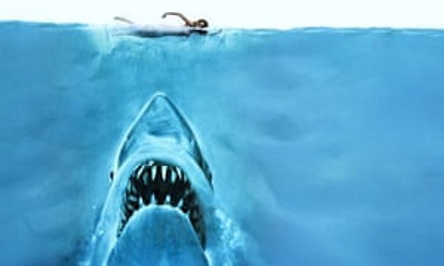 A lesson on how to hook your audience from the screenwriters of Jaws featured image