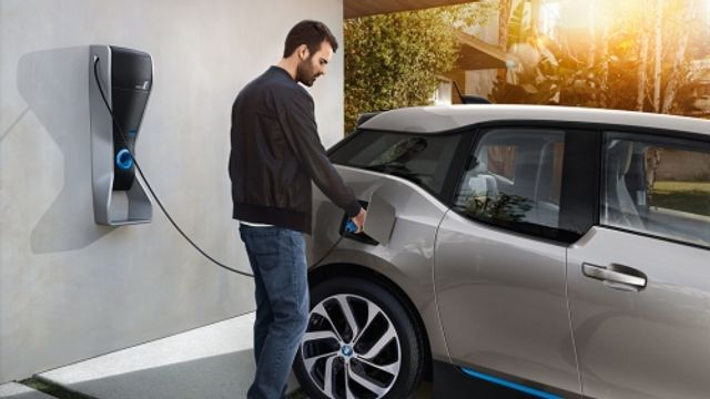 BMW and PG&E Prove Electric Vehicles Can Be a Valuable Grid Resource featured image