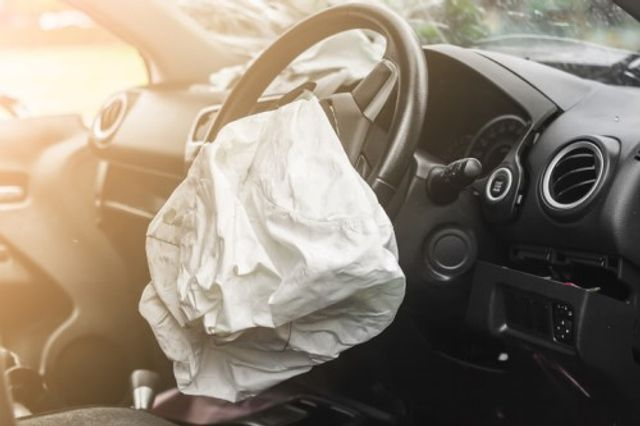 Insurer reveals the most frequent days for car crashes due to daydreaming featured image