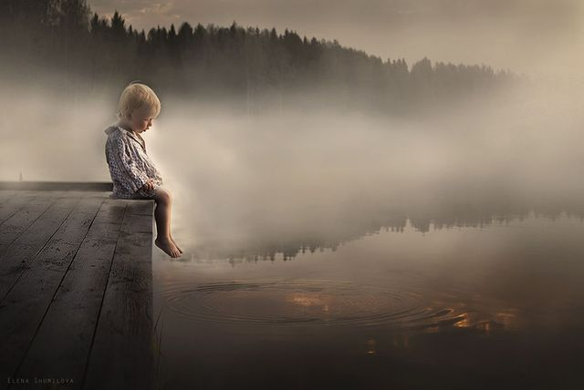 Kids & animals captured by a photographer mother in gorgeous Russian landscape featured image