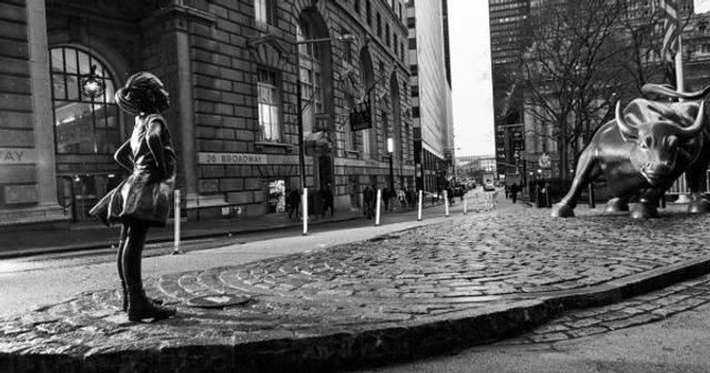 Fearless Girl Arrives on Bowling Green featured image