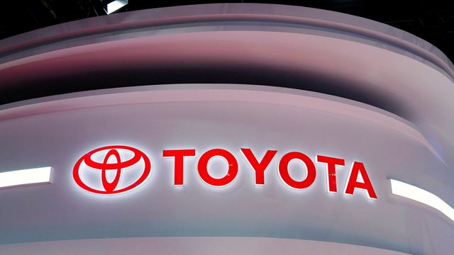 Toyota buys Lyft's self-driving unit for $550m featured image