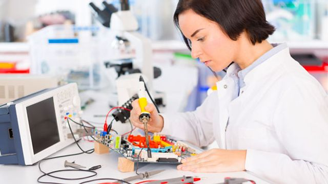 'Gender-neutral' ads to encourage female STEM apprentices featured image