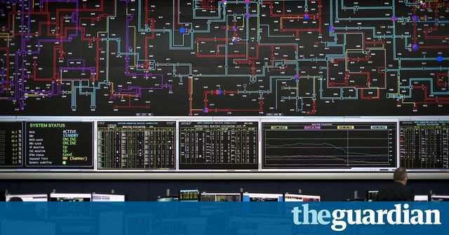 Innovation: An energy first as UK successfully transmits data via national electricity grid featured image