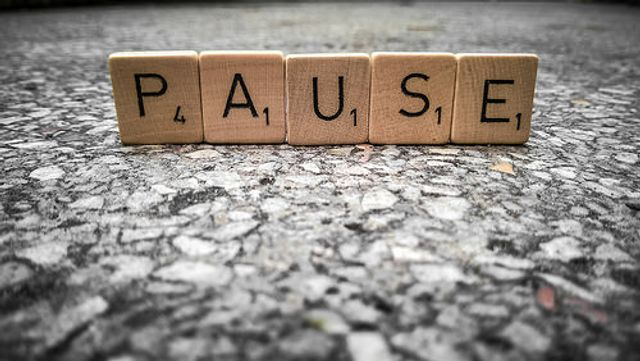 Buffer lets you hit 'pause' on your social media queue featured image