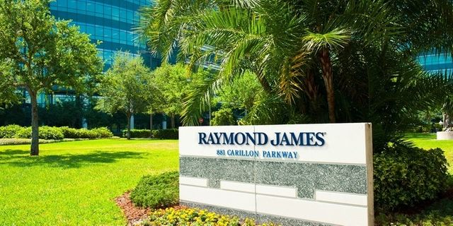 Raymond James to deliver robo service for advisers to use with clients featured image