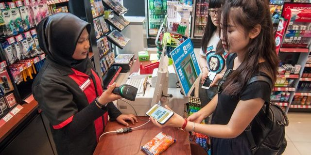 Alipay, WeChat Take Battle for Mobile-Payment Dominance Overseas featured image