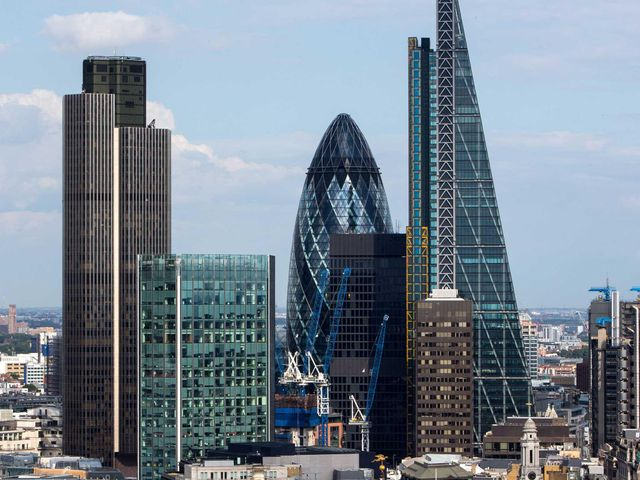 "Brexit - 5,000 London regulated financial services firms ""at risk"" featured image"