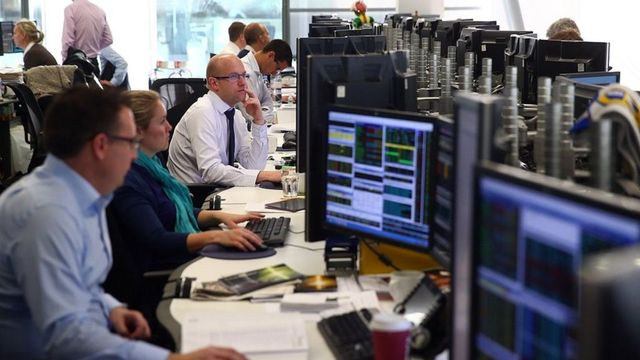 FTSE 100 rises to 11-month high featured image