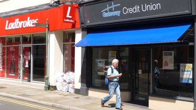 Why are credit unions in the UK not very popular featured image