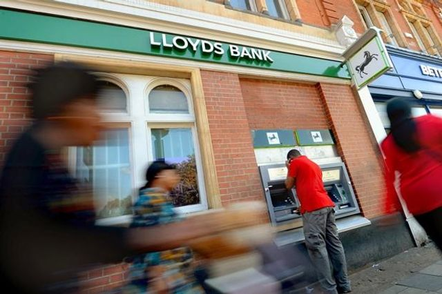 Thousands of jobs to go in Lloyds revamp featured image