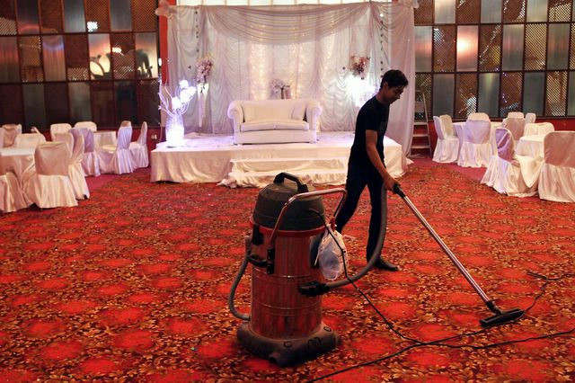 P2P Lending Egypt Style: Hold a fake wedding, get high, leave lots of cash featured image