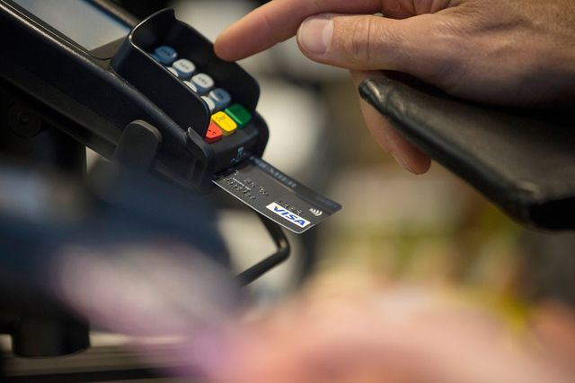 What That Chip in Your New Credit Card Means for You featured image