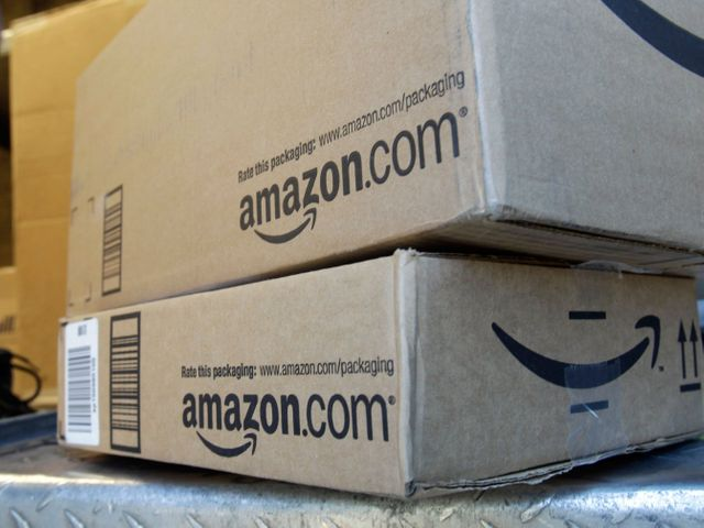 Amazon Dominated 36% of Online Black Friday Sales featured image