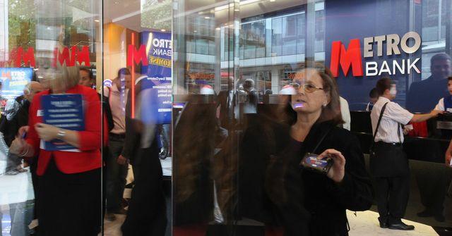British Lender Metro Bank Rises 4 Percent in London Debut featured image