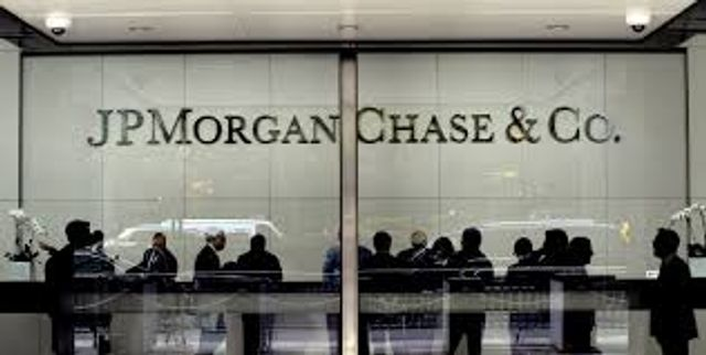 JPMorgan Chase to close 300 branches as customers go mobile featured image