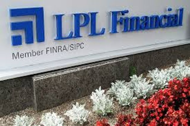 II - Mark Casady settles the question of whether LPL will start its own robo-advisor featured image