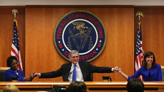 FCC approves net neutrality rules for 'open internet' featured image