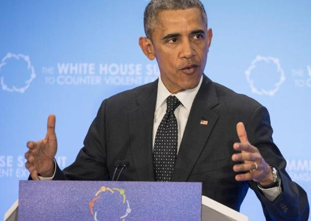 Obama takes aim at brokers' fees on retirement accounts featured image