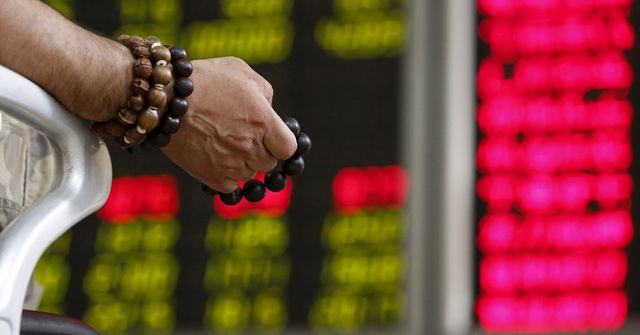 How To Make Sense of China's Plummeting Stock Market featured image