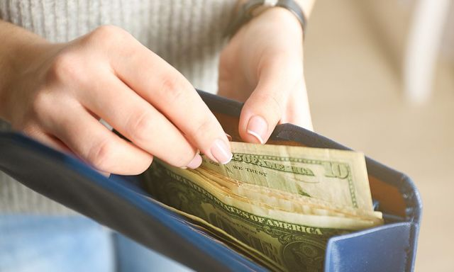 Millennials picking cash over cards featured image