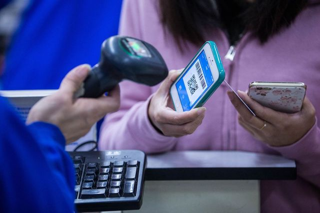 Apple faces tough competition in China's $5.5 trillion mobile payments market featured image