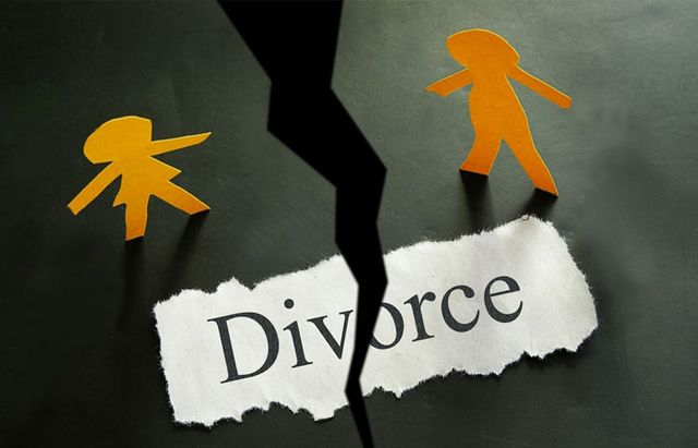 Woman seeks divorce from overweight husband featured image