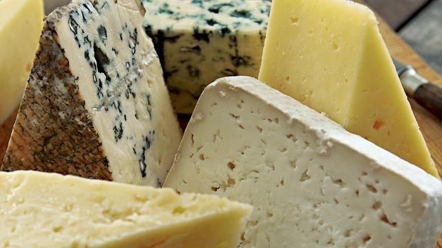 Study finds that cheese is good for the heart! featured image