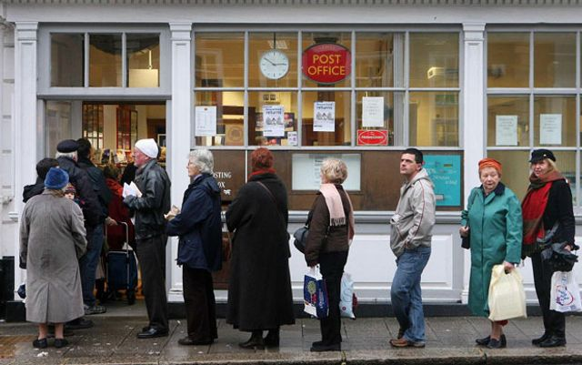 Post Office launches offensive on banking industry Post Office Money aims to exploit 11,500-strong b featured image