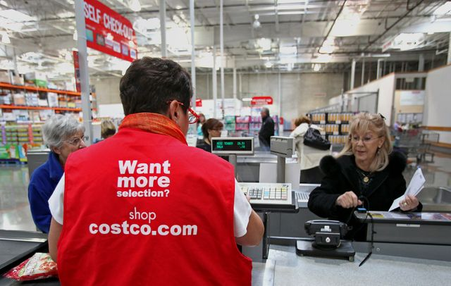 Costco to PayAlmost Zero to Accept Credit Cards Don't Miss Out featured image