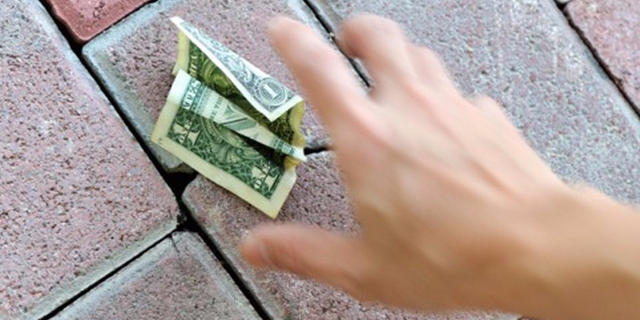 PayPal and Square are fighting over funding small businesses featured image