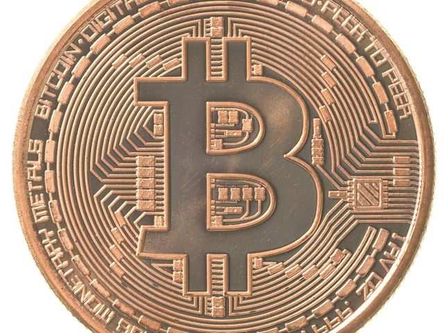 The Growing Bitcoin Economy, in Five Charts featured image