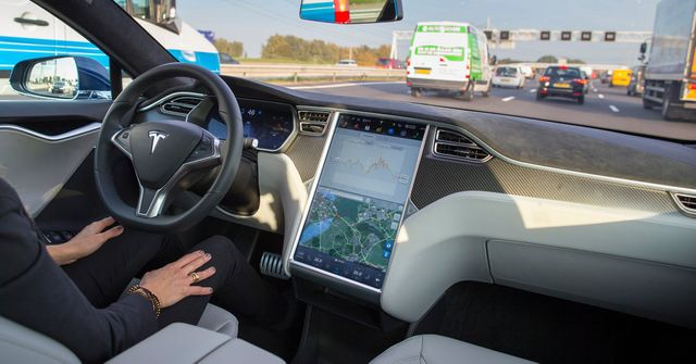 Self-Driving Tesla Was Involved in Fatal Crash featured image