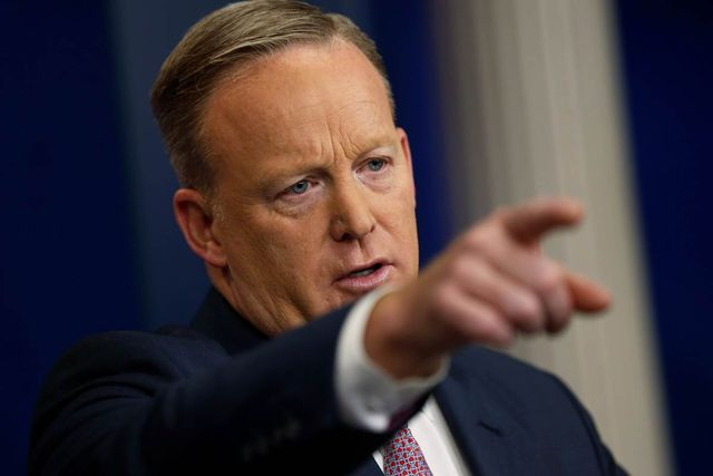 People Are Trolling Sean Spicer on Venmo With Hilarious Requests featured image