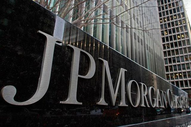 JPMorgan software does in seconds what took lawyers 360,000 hours featured image