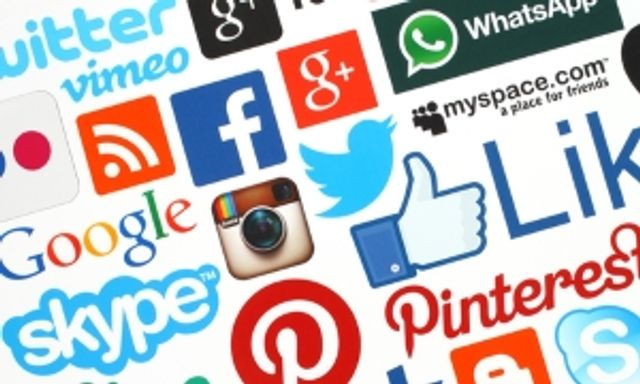 Clients prefer lawyers who are active on social media featured image
