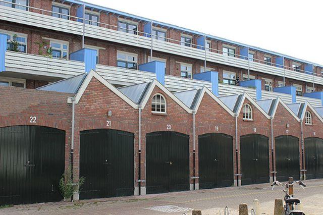 Un-lock garage sites to solve housing crisis? featured image