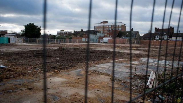 Tesco sells abandoned supermarket sites to housing developer featured image