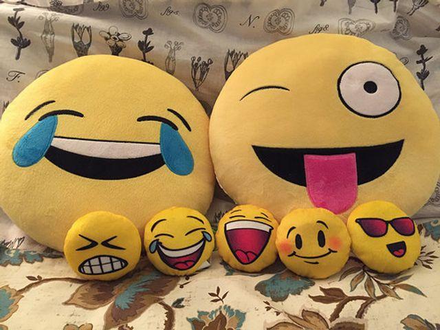 Facebook Emojis - 'like' featured image