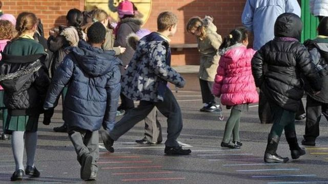 """A primary school's playground ban on the game """"tig"""" has been criticised by parents featured image"""