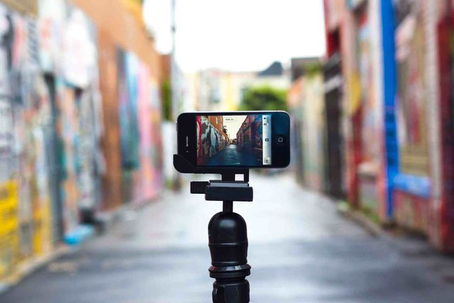 3 Tools to Create B2B Marketing Videos for Free (or cheap!) featured image